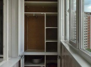 Шкафы и декор балкона